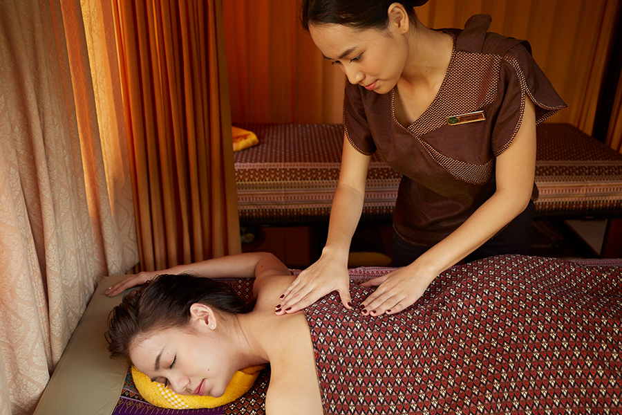 Aroma (Swedish) Massage, Deep tissue massage, Aromatherapy Massage